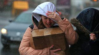 Vientos fuertes y lluvia en Sheffield, al norte de Inglaterra, mientras la tormenta Ciara recorría el país.