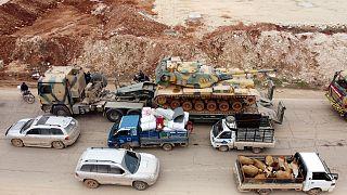 Un carrarmato dell'esercito turco nei pressi di Idlib