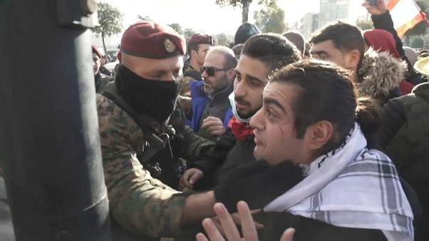 Парламент Ливана выразил доверие правительству Диаба на фоне протестов