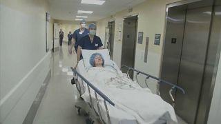 فيديو: في سبيل البحث العلمي.. مرضى يتبرّعون بخلايا المخ وهم أحياء