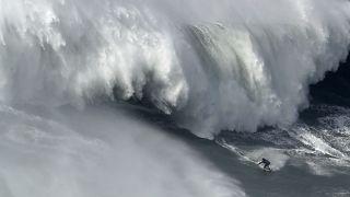 """Botelho """"estável"""" depois de queda nas ondas gigantes da Nazaré"""