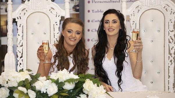 Ο πρώτος γάμος ομοφυλοφίλων στη Βόρεια Ιρλανδία