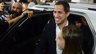 Guaidó e esposa agredidos no regresso a Caracas