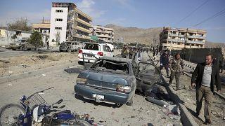 Afganistan'da meydanan gelen bombalı saldırı