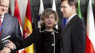 ABD Savunma Bakanı Mark Esper ile ABD NATO Temsilcisi Kay Bailey Hutchison
