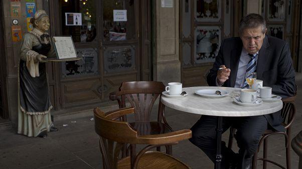 İspanya'da kahve ve sigara araları tartışma konusu oldu