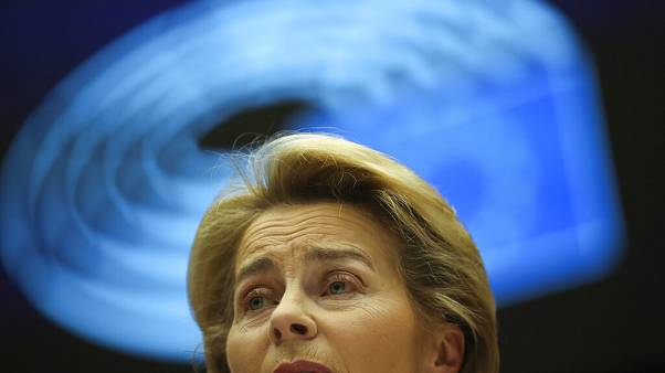 Ursula von der Leyent kísérti a múlt