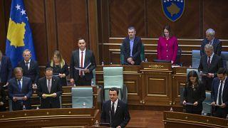 Kosova'da Başbakan ve bakanların maaşları yarıya inecek