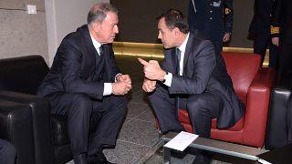Συνάντηση Νίκου Παναγιωτόπουλου και Χουλουσί Ακάρ στο περιθώριο της Συνόδου του ΝΑΤΟ