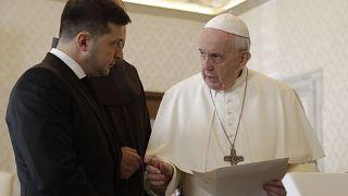 Papa Francis'ten din adamı sıkıntısı yaşanan yerlerde evli erkeklerin rahip olabilmesi teklifine ret