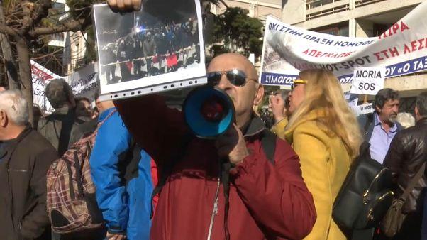 #euroviews : colère des insulaires grecs, le sexe protégé cher au Venezuela, colis piégé à Amsterdam