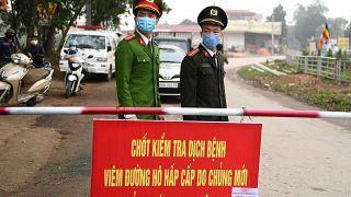 فيتنام تفرض حجرا صحيا على منطقة يسكنها 10 آلاف شخص على خلفية فيروس كورونا