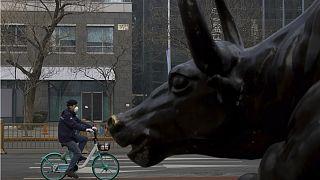 مقامهای سیاسی قربانیان جدید ویروس کرونا در چین؛ شمار تلفات به  ۱۳۵۵ افزایش یافت