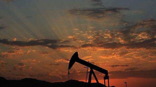 تقاضای فصلی نفت برای نخستین بار در یک دهه گذشته کاهش مییابد