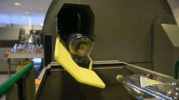 Una storia di successo: ecco come la Norvegia ricicla le bottiglie di plastica