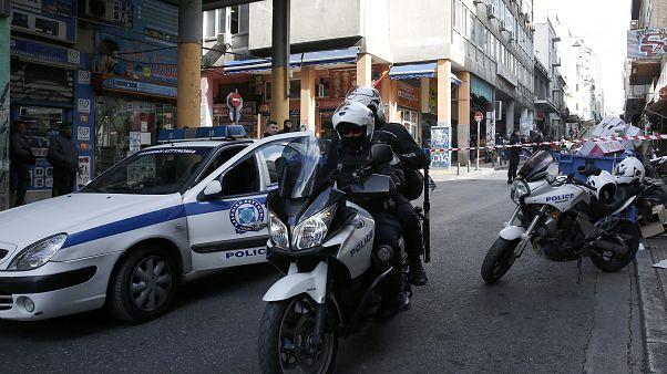 Αστυνομικοί έχουν αποκλείσει σημείο συμπλοκής