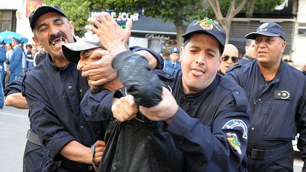 بازداشت اعضاء شبکه جعل ویزای شنگن در الجزایر