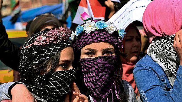 Des irakiennes manifestent pour défendre leur droit à manifester avec les hommes, Bagdad, le 12 février 2020