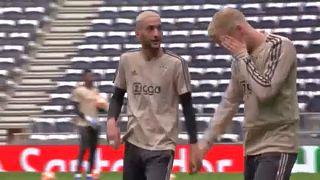 A Chelsea-ben folytatja az Ajax-támadó