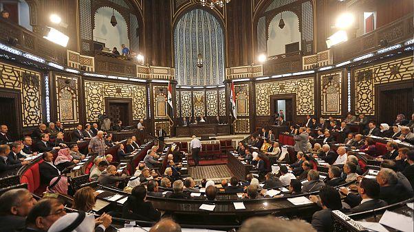 """مجلس الشعب السوري """"يقر جريمة الإبادة الجماعية"""" بحق الارمن وتركيا تندد ب""""نفاق"""" النظام"""