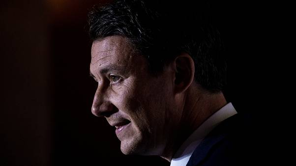 Париж из рук вон: соратник Макрона угодил в секс-скандал