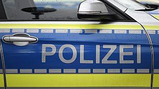Razzien gegen mutmaßliche rechte Terrorzelle: 12 Männer festgenommen