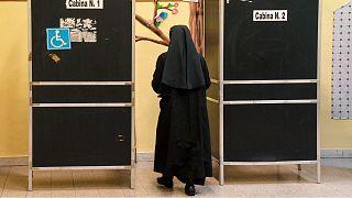 """الشرطة الإيطالية تعتقل راهبة """"مزيّفة"""" فرّت من وجه العدالة وتوارت بين الأديرة"""