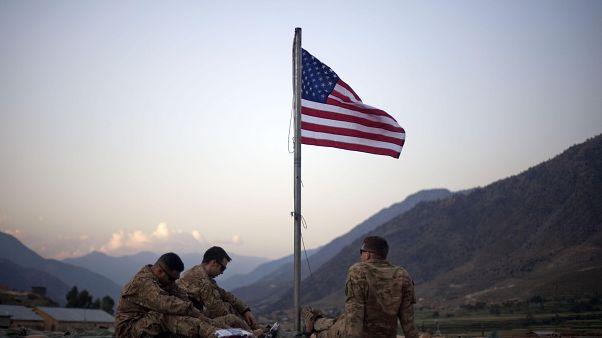 ثلاثة جنود من قوات المارينز الأمريكية في أفغانستان