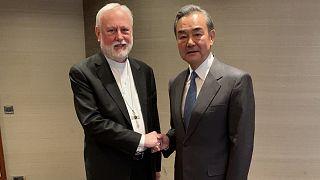 وزيرا خارجية الصين والفاتيكان في لقاء نادر على هامش مؤتمر ميونيخ للأمن بمدينة ميونيخ الألمانية. 14/02/2020