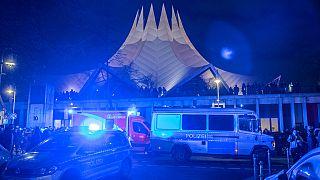 Schüsse vor dem Tempodrom in Berlin: 1 Toter, 4 Verletzte