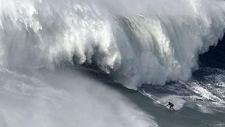 Surf-Unfall  von Alex Botelho in Nazaré: Zuviel gezeigt?