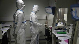 Avrupa'da ilk kez bir kişi koronavirüsten dolayı hayatını kaybetti