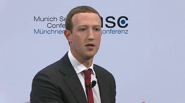 Zuckerberg defende regulação estatal do Facebook