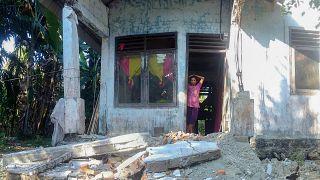 Endonezya 7 Ocak'ta 6.2 büyüklüğünde depremle sallanmıştı