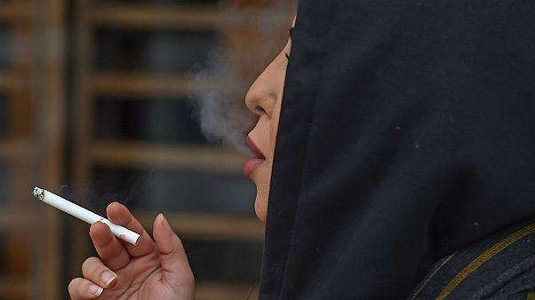 نجلاء (اسم مستعار) سعودية تدخن في الرياض