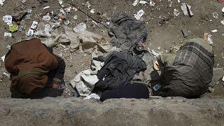 پلیس افغانستان: ۹ بیخانمان معتاد به ضرب گلوله افراد ناشناس کشته شدند