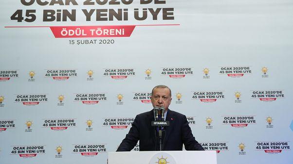 AK Parti'nin üye sayısı 378 bin artışla 10 milyonu geçti, diğer partilerde durum ne?