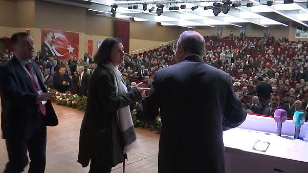 """""""Siyasetçinin işine, kadının işvesine aldanılmaz"""" diyen CHP'liden özür: Kadınlar anam bacımdır"""