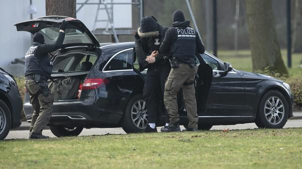 Almanya'da yakalanan aşırı sağcı grup cami ve Müslümanlara 'suikast hazırlığındaydı'