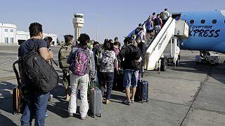 مسافرون يتجهون إلى شرم الشيخ- مصر