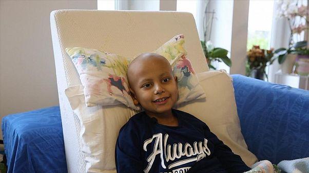 8 yaşındaki Ahmet Burhan Ataç Almanya'da kanser tedavisi görüyor