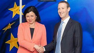 Patrão do Facebook visita Bruxelas em clima secreto