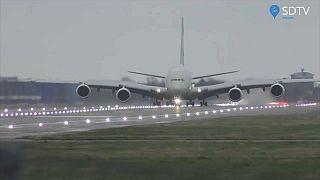 طائرة إيرباص إيه 380 تابعة لطيران الاتحاد الإماراتي