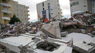 Arnavutluk'a 6,3 şiddetindeki depremin yaralarını sarmak için 1,15 milyar euroluk yardım taahhüdü