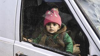 Des civils syriens fuient Idleb le 15 février 2020