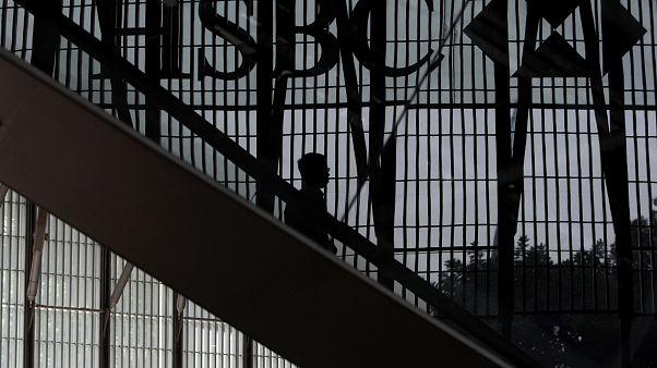 HSBC vai cortar 35 mil empregos