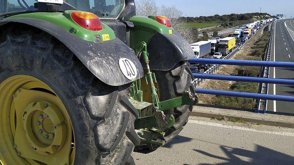 Agricultores espanhóis em protesto contra a situação do setor