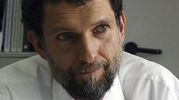 القضاء التركي يبرئ الناشط عثمان كافالا في قضية مظاهرات منتزه غازي