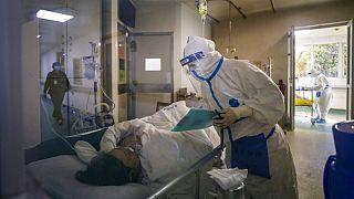شمار قربانیان ویروس جدید کرونا از ۲ هزار نفر فراتر رفت