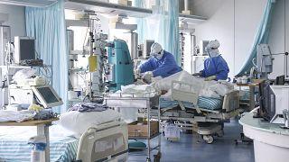 شاهد: مستشفيات ووهان تحتفل بأعياد ميلاد المرضى المصابين بكورونا